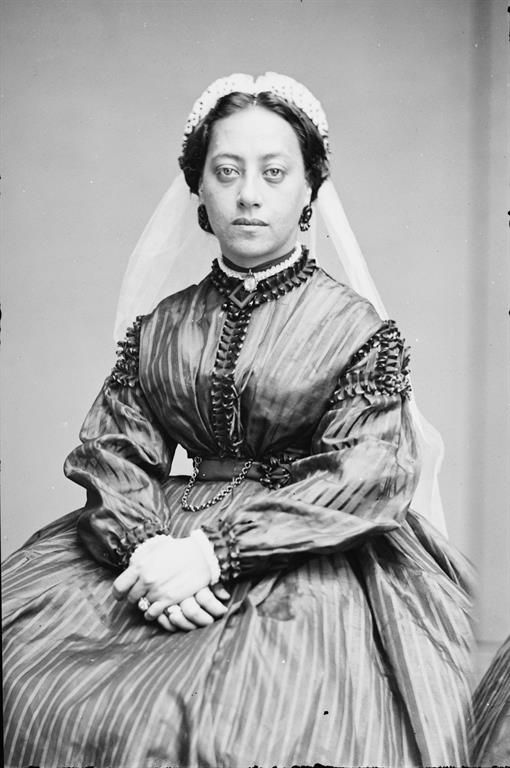 Queen Emma of Hawaii, who was honored at a state dinner which Eliza Johnson attended. (Library of Congress)