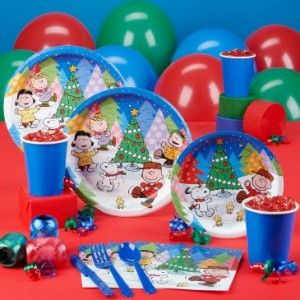 What a cute #Christmasparty theme for kids! #Snoopy Peanuts Christmas party supplies