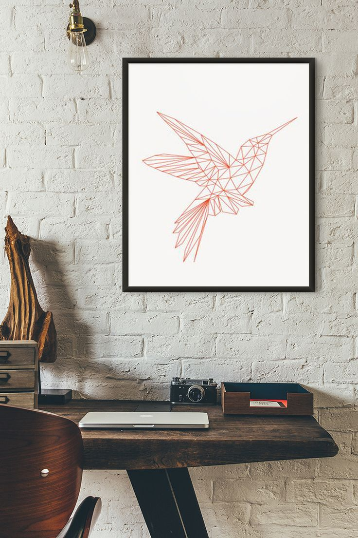 A geometric bird in a fun colour can become your favorite work companion, creating an upbeat and joyous vibe. Choose a shiny black frame to match the simple and strong image.