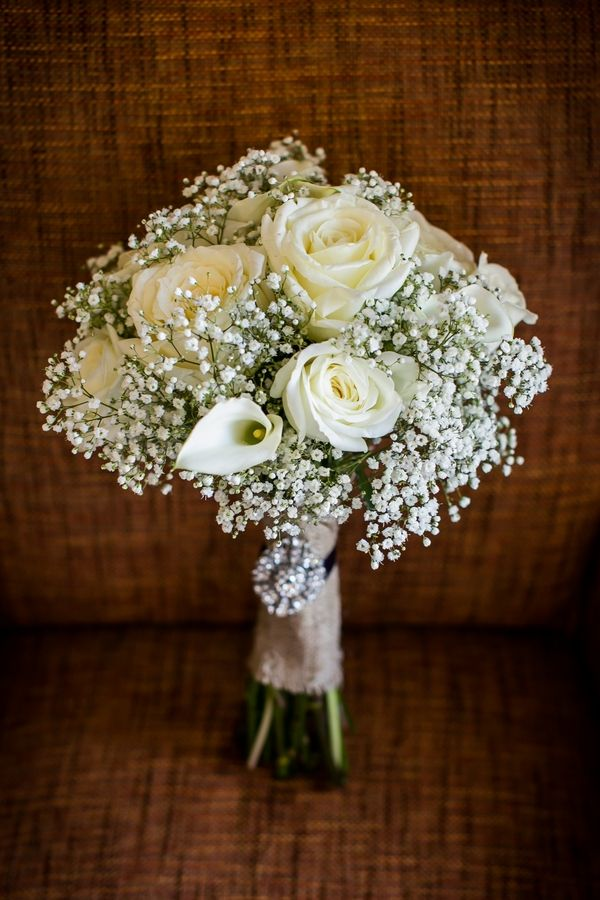 white roses, calla lilies and gypsophila Wedding Bouquet| Photo by: stevieramosphoto.com