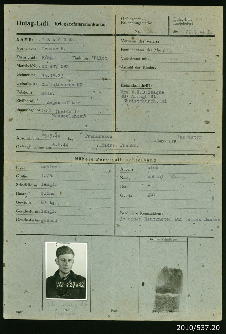 Prisoner of war interrogation card or 'krigsgefangenenkartei' for Flight Sergeant Trevor Teague. The card details Trevor's physical appearance, personal details, date of capture etc. From the collection of the Air Force Museum of New Zealand.