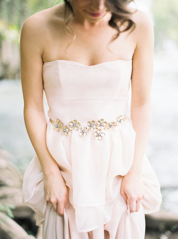gold bridal sash - photo by Loft Photography http://ruffledblog.com/bride-la-boheme-2015-collection