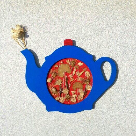 #teapot #çaydanlık #ahşap #wood #design #painting #blue #red #pressedflowers