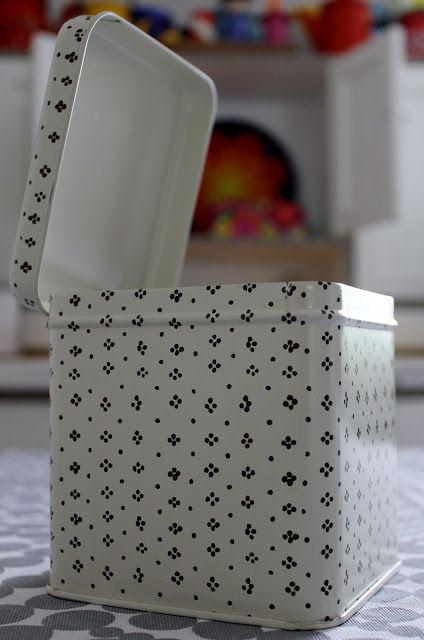 Marimekko Muija box, Maija Isola Finland