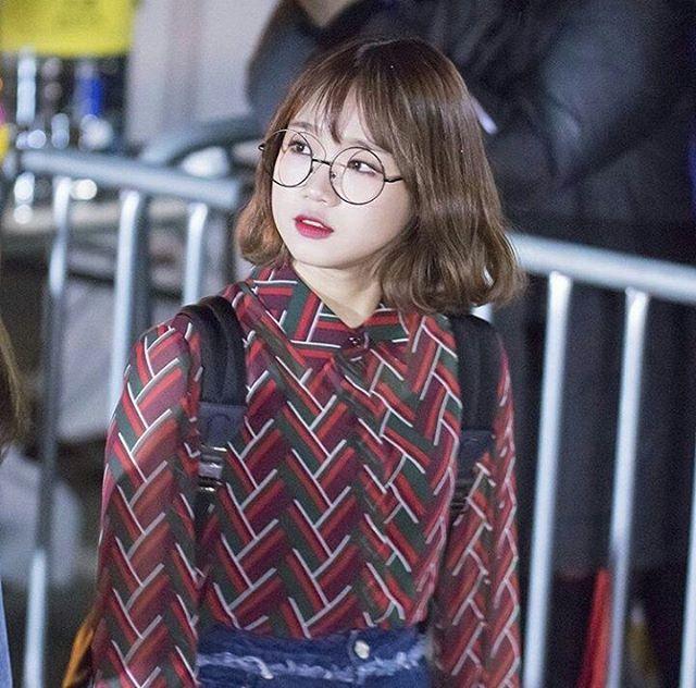 So cute #yoojung#ioi#yoojungchoi#nayoung#somi#pinky#doyeon#chunga#sejeong#chaeyeon#sohye#yunjung#mina#kpop#fff#lfl#produce101#taeyeon#followforfollow#likeforlike#girlgroups#fancam#fanart#redvelvet#blackpink#bts#exo#nct#twice [ cr.owner ]