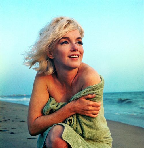 """vintagegal:  """" Marilyn Monroe photographed by George Barris, 1962  """""""