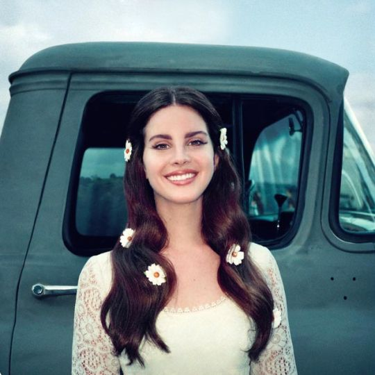 How To Get Lana Del Rey's 'Lust For Life' Look