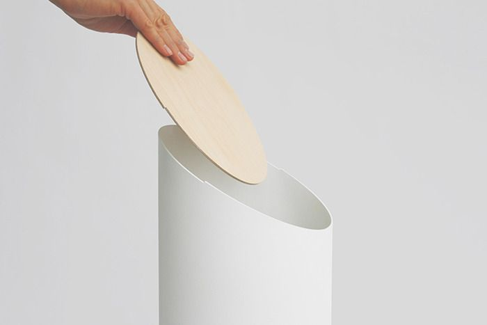 Swing Bin is a minimalist design created by Japan-base designer Shigeichiro Takeuchi and is currently seeking funding on Kickstarter. It is so sculptural that at first glance one might not notice that it is a waste bin. (4)