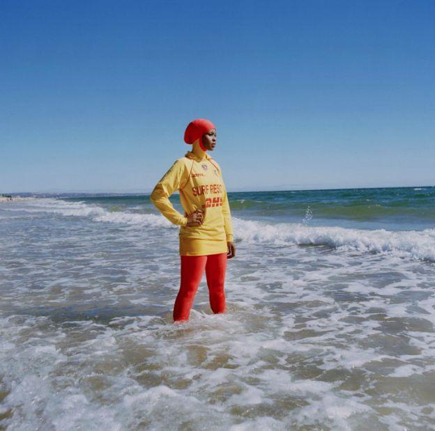 Foncée. — Burqini in Australia (2011) - Narelle Autio