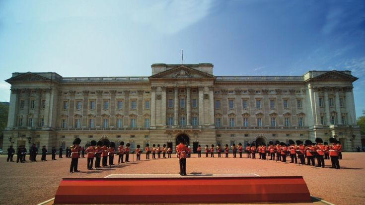 Changing of the Guards… get there at 10:30 because it starts at 11:30