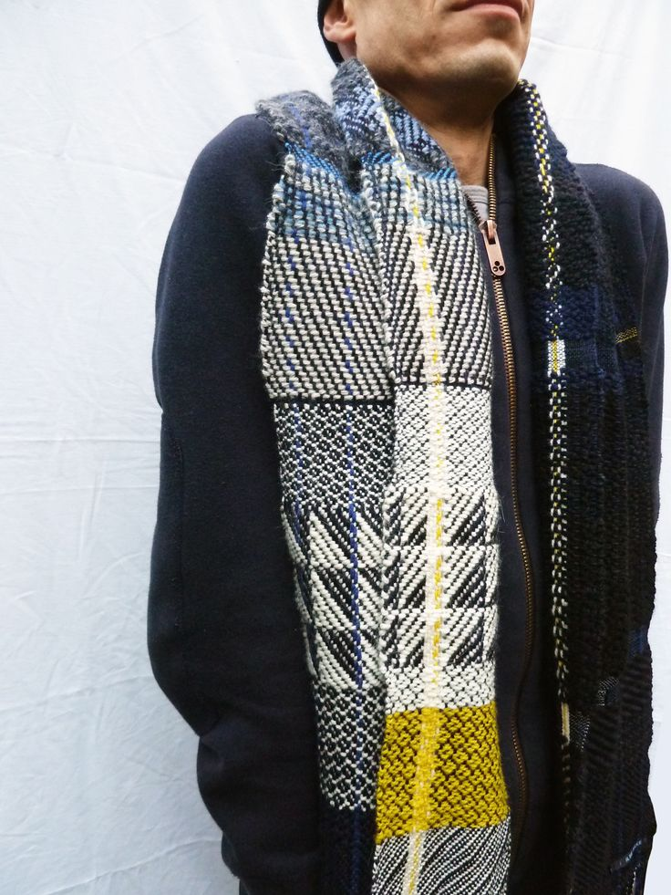 Handwoven scarf - Ilse Acke
