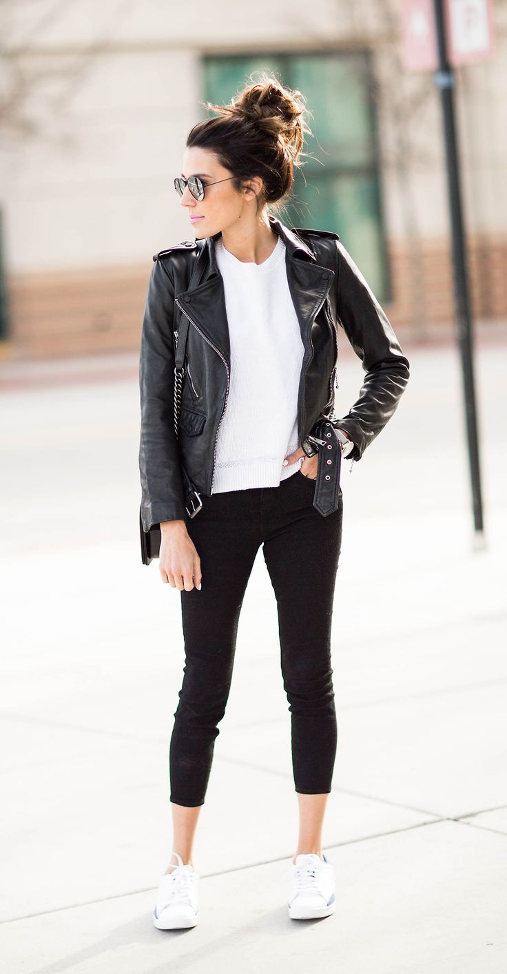 Black t shirt goes with - Best 25 Black Leather Jackets Ideas On Pinterest Leather Jackets Accessorize Jackets And Leather Jacket Outfits