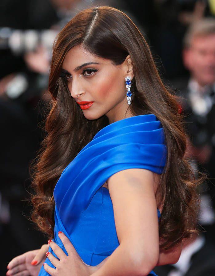 La cascade de boucles de Sonam Kapoor au Festival de Cannes 2015