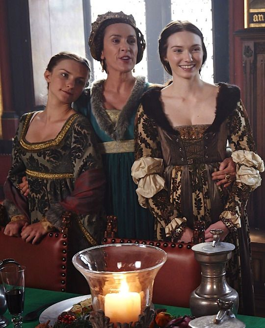 Her daughters did well for themselves ;) One on right stars in Poldark and Anne on left was the meanie bitch beating up Arya in Game of Thrones. The Warwick women - Lady Anne, Countess of Warwick, and Lady Isabel I suppose the only females that will be the same in TWPrincess will be Princess Elizabeth and her mother.  Both Anne Warwick and her sister died in first series.  Looking forward to this one!