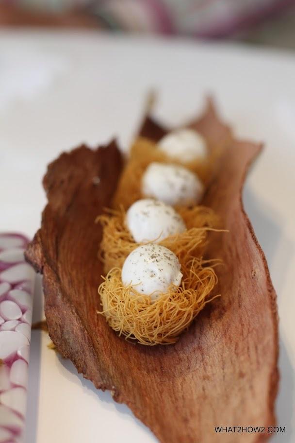 foto senza ricetta.(idea nidi di pasta tipo capelli d'angelo  fritti con mozzarellina condite  oppure uova di quaglia