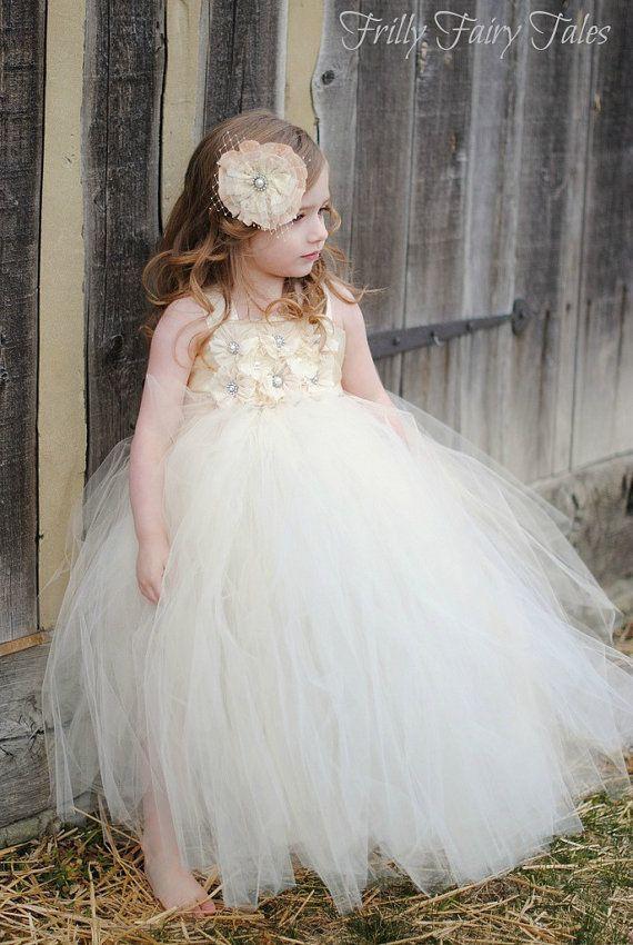 可愛い♡フラワーガールのファッションをあつめました♡にて紹介している画像