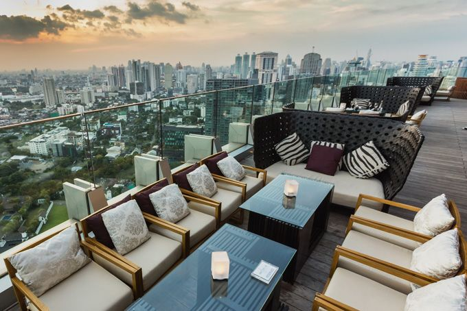 Бар на крыше небоскреба в Бангкоке, Таиланд