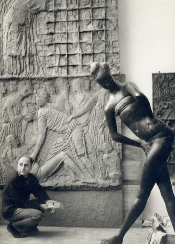 Emilio Greco nello studio