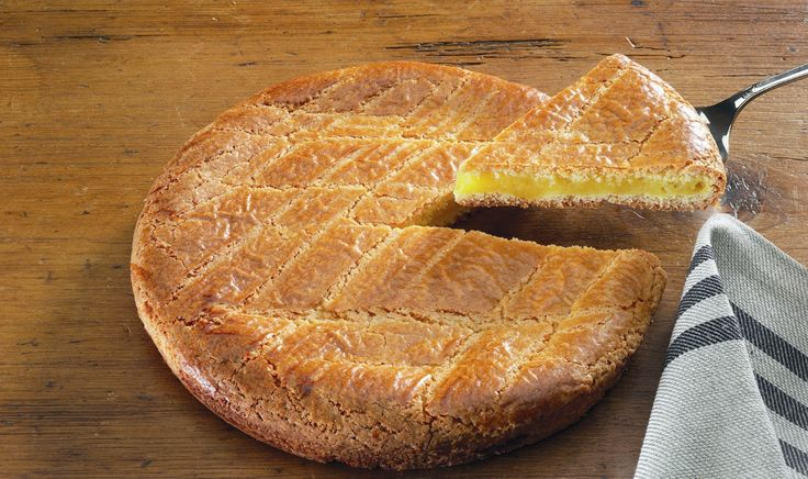 GÂTEAU BASQUE / EUSKAL PASTELA RECIPEIngredients (cake for 6 people):for the dough:2 eggs125g softened butter125g of sugar1 sachet of vanill...