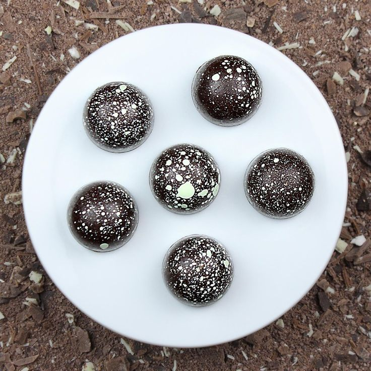 Dark Mint Ganache - 6 Concepts  Read more at: https://track.paydot.com/hit.php?w=102078&s=1012&a=20634