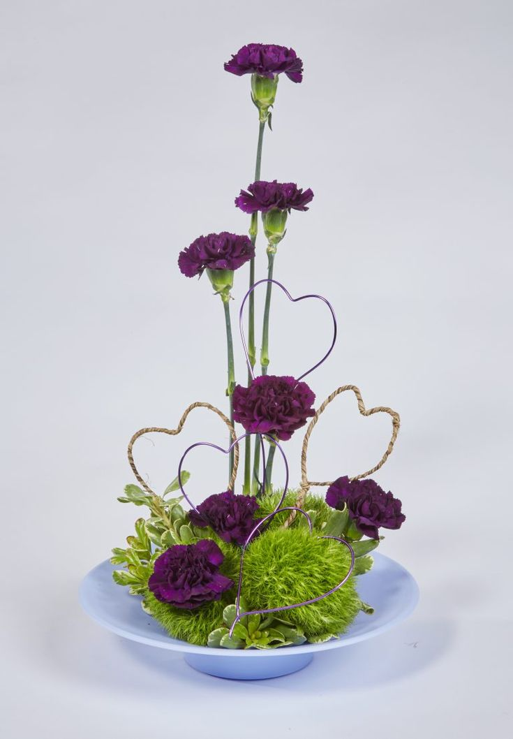 Red Heart Flare Valentine Floral Centerpiece - OASIS Floral Ideas
