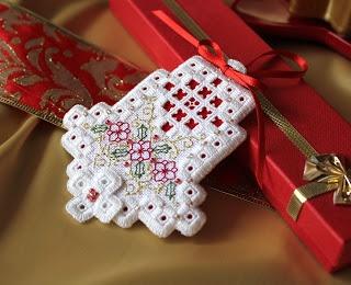 Pretty bell ornament