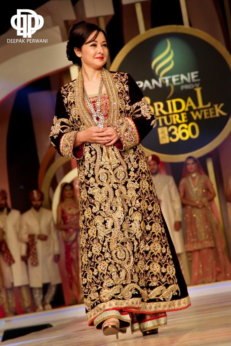 Zeba Bakhtiar in a gorgeous Deepak Perwani outfit   Bridal Couture    Zeba Bakhtiar 2013