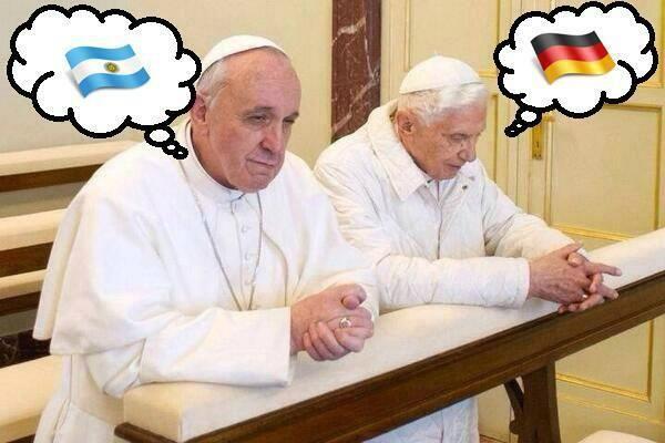 Due Papi. Una finale! via @catholicgag pic.twitter.com/8DJ3muBURY