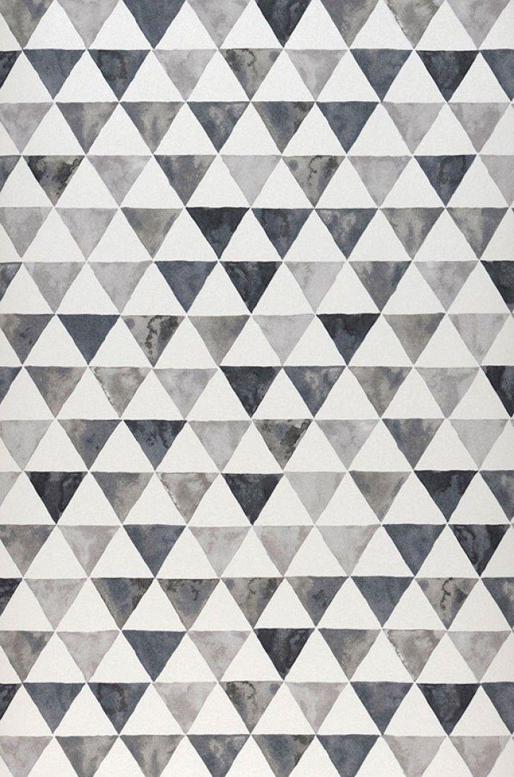 €76,90 Precio por rollo (por m2 €14,43), Papel pintado geométrico, Material base: Papel pintado TNT, Superficie: Liso, Aspecto: Mate, Diseño: Triángulos, Color base: Blanco crema, Color del patrón: Tonos de gris, Características: Buena resistencia a la luz, Difícilmente inflamable, Fácil de desprender en seco, Encolar la pared, Resistente al lavado