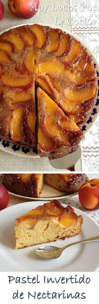 Pastel Invertido de Nectarinas: Una capa de nectarinas caramelizadas con azúcar moreno y mantequilla sobre otra capa de bizcocho esponjoso. ¡Delicioso! Puedes encontrarlo en www.muylocosporlacocina.com