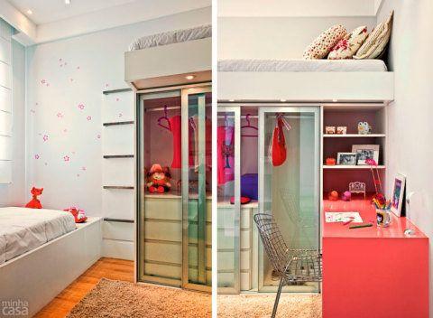 Pensado para garotas de 5 e 7 anos, este ambiente de um apartamento decorado conta com soluções de marcenaria que o tornam perfeito para brincadeiras e estudo. A peça-chave é o armário com cama em cima, escolhido pela arquiteta paulistana Renata Cáfaro.