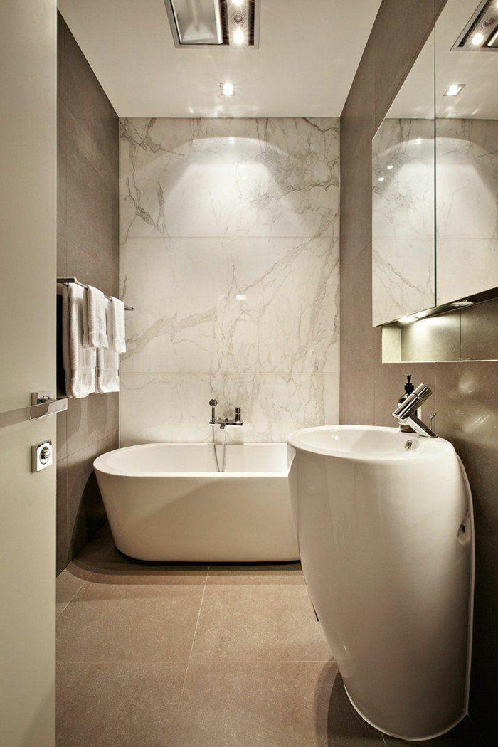 carrelage effet marbre dans la salle de bain taupe