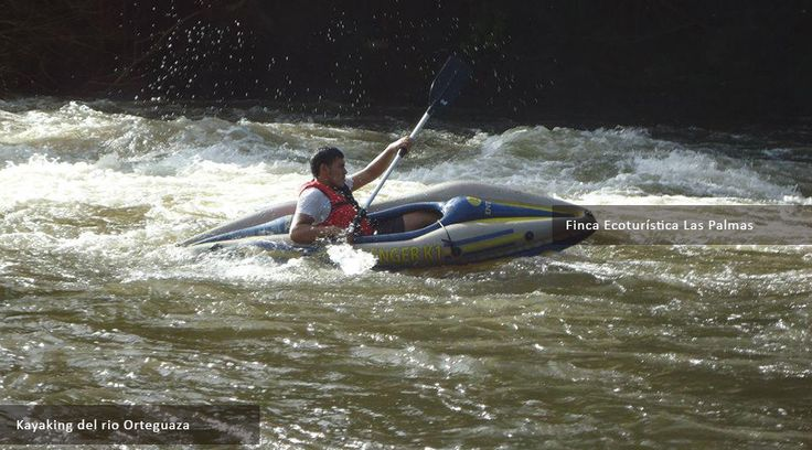 Kayaking en Rio Orteguaza