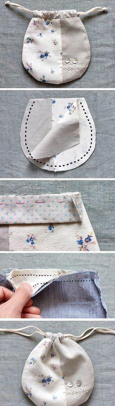 Lined Drawstring Bag Tutorial. How to Sew DIY Photo Tutorial http://www.handmadiya.com/2016/04/lined-drawstring-bag-tutorial.html