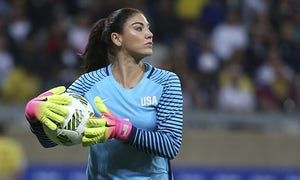 Hope Solo. Tiptoeing back into the limelight. And maybe back into #USWNT?