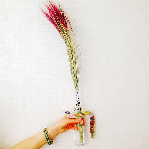 副編G:【今日のユン穂】水道橋のうつわ専門店「千鳥」で李慶子さんの一輪挿しを買いました。…|SPUR(シュプール)