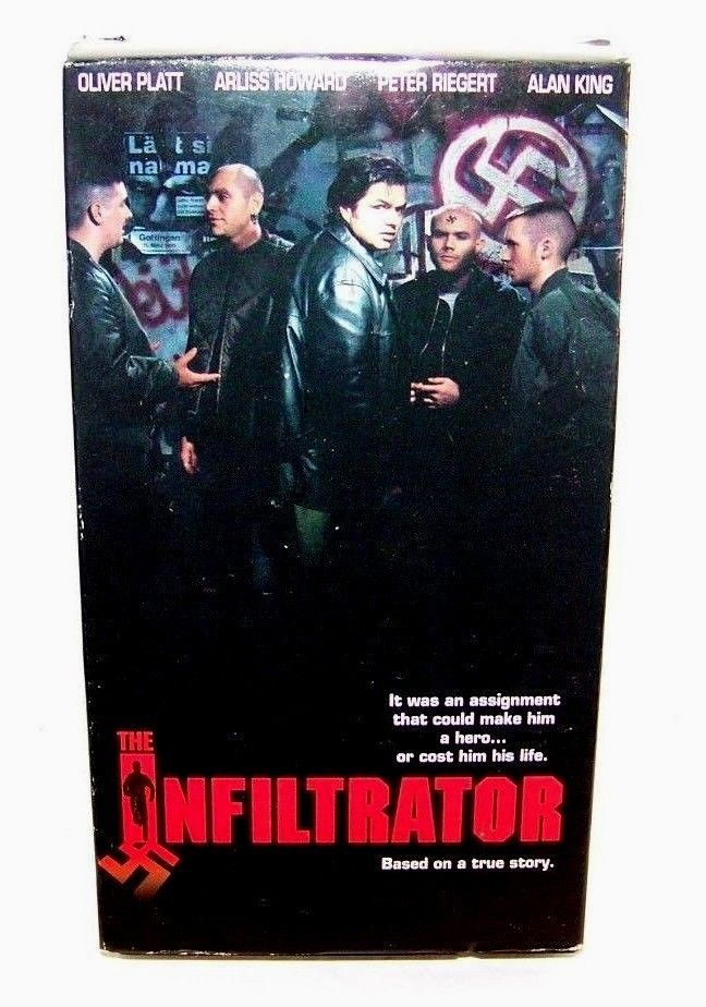 The Infiltrator - VHS Tape - 1995 - Oliver Platt / Alan King / Peter Riegert