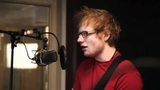 "Ed Sheeran covers Frank Oceans ""Swim Good"" via YouTube. THIS IS AMAZING"