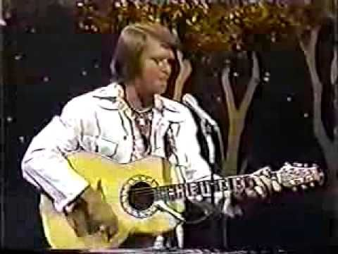 """Glen Campbell """"Rhinestone Cowboy""""  on the Tonight Show with Johnny Carson September 23, 1975"""