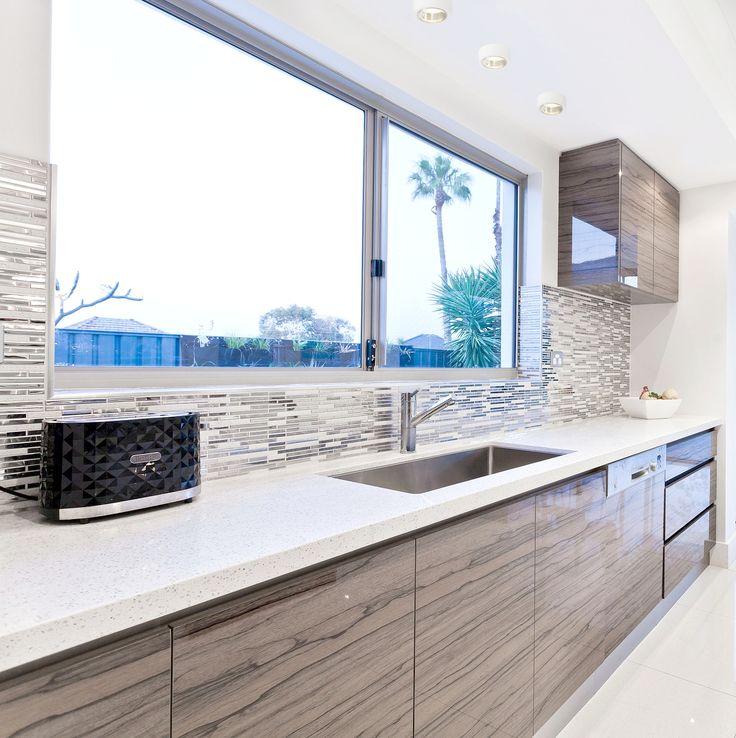 Plafon Spotline, to doskonałe oświetlenie punktowe, sprawdzi się w kuchni, łazience oraz na korytarzu