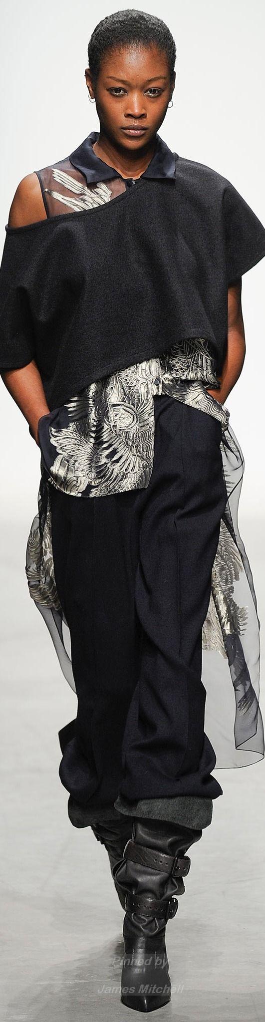 Leonard Fall 2014 Ready-to-Wear.                   Rr