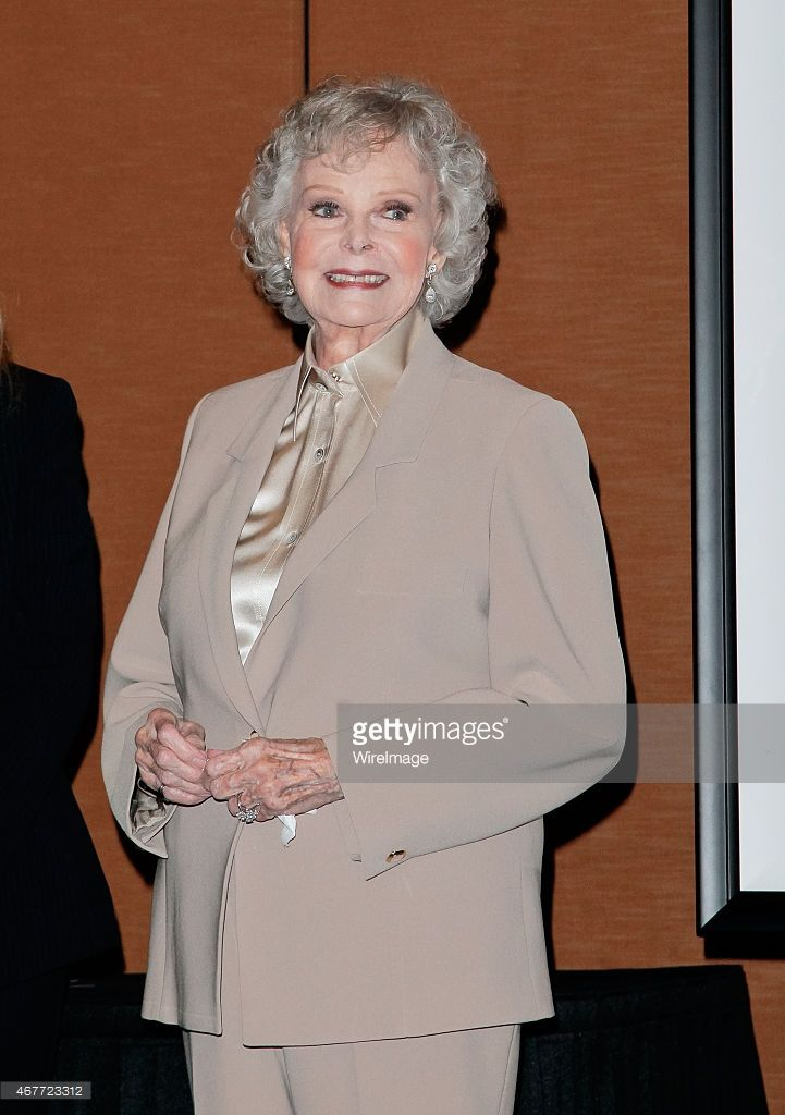 HBD June Lockhart June 25th 1925: age 90 ( This young lady played the mother on both Lassie and Lost in Space. )
