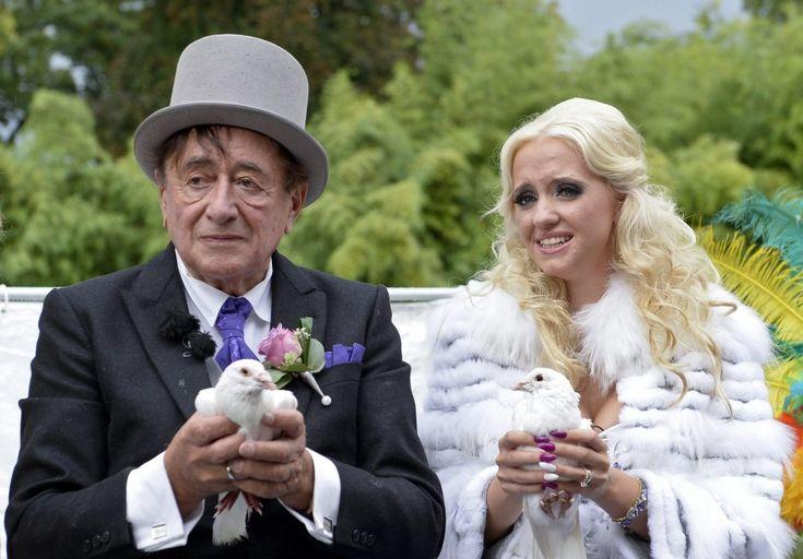 L'amore non conosce età. Lui è Richard Lugner, ricco imprenditore austriaco, 81enne. Lei è Cathy Schmitz, infermiera 24enne, tra di loro ben 57 anni di differenza. In questa galleria le immagini delle nozze a Vienna tra voli di colombe, ancelle, carrozze. Un evento seguito in di