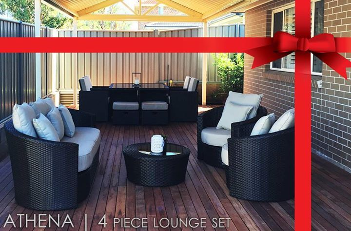 Sleek and modern, the Athena Daybed lounge is the best in style for outdoor living.With modern curves and comfort aplenty enjoy the atmosphere as you relax underneath the sun.