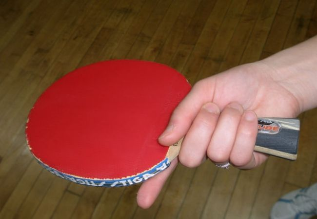 The Handshake Ping Pong Paddle Grip Is A Great One For Beginners To Learn Top Tips And Great Table Tennis Table Re Table Tennis Tennis Tips Ping Pong Paddles