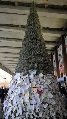 Rome in December - The Christmas Tree at Termini.  http://romandespatches.blogspot.co.uk/2016/01/rome-in-december-christmas-tree-at.html
