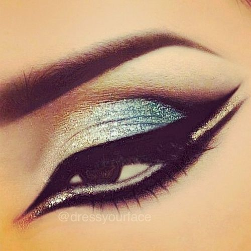 I think I have this pinned already but it so pretty.   Silver and black eye make up