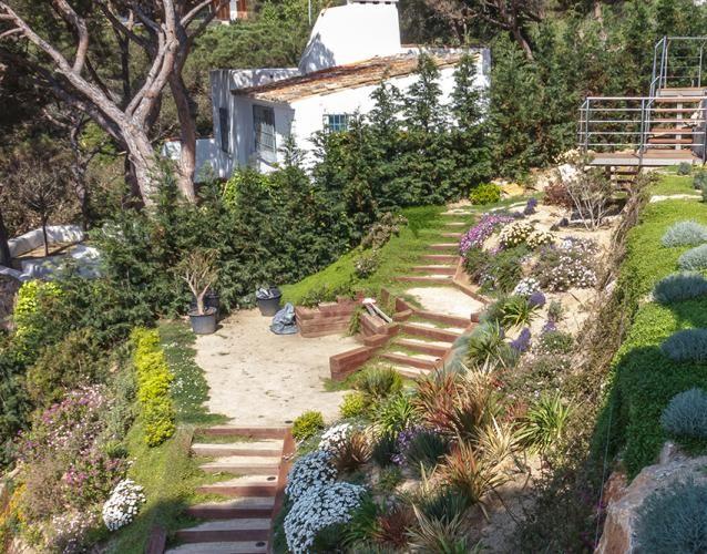 Las 25 mejores ideas sobre jard n en pendiente en for Paisajismo terrazas