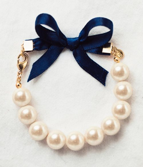 Classy Girls Wear Pearls bracelet