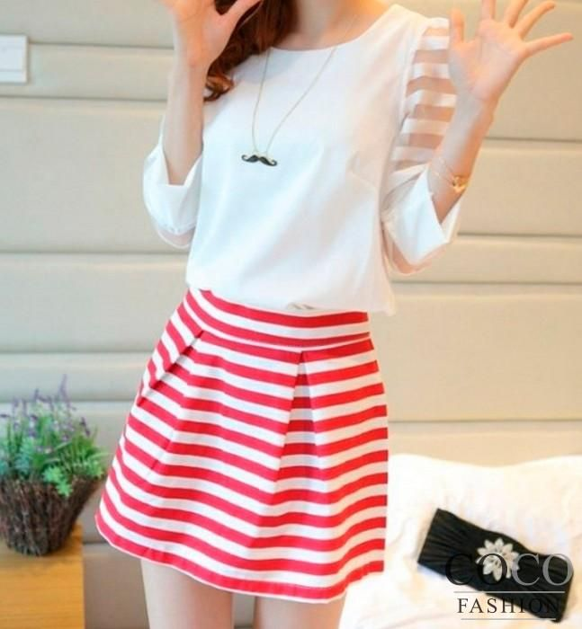 Red&white Boxy Pleat Structured Mini Skirt with Wide Waistband